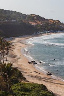 Natal, rio grande do norte, brazylia – 12 marca 2021: praia da pipa w rio grande do norte