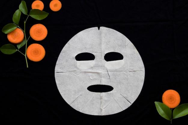 Naturalna maska w płacie do skóry twarzy