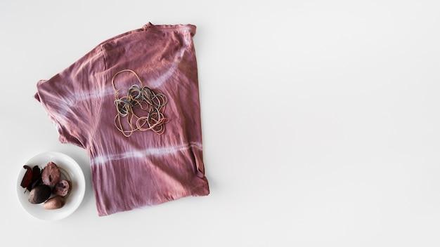 Naturalna pigmentowana tkanina z widokiem z góry z miejscem na kopię