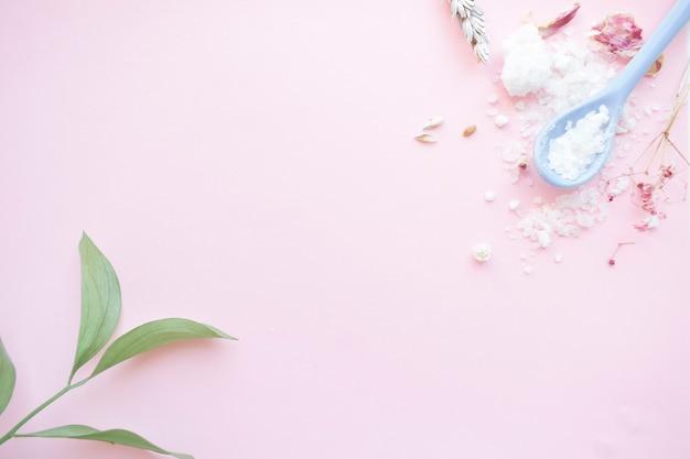Naturalna sól do kąpieli, ręcznie robione mydło. produkty organiczne. kosmetyki spa.