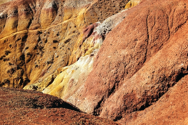 Naturalna tekstura piaskowca w kolorowym marsie w górach ałtaju tło środowiska naturalnego