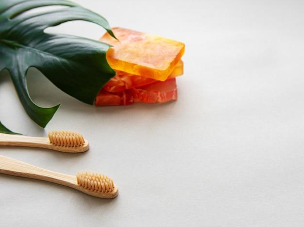 Naturalne bambusowe szczoteczki do zębów