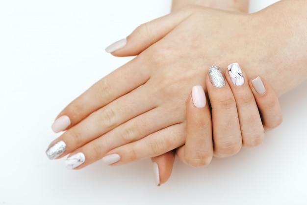 Naturalne paznokcie, polski żel. idealny czysty manicure