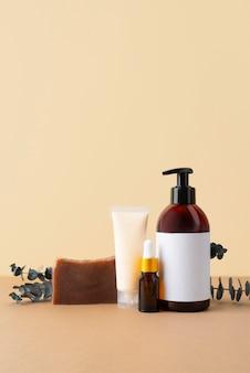 Naturalny skład produktów do samoopieki z widokiem z przodu