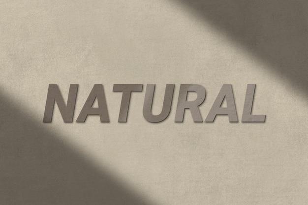 Naturalny tekst w brązowej, betonowej, teksturowanej czcionce