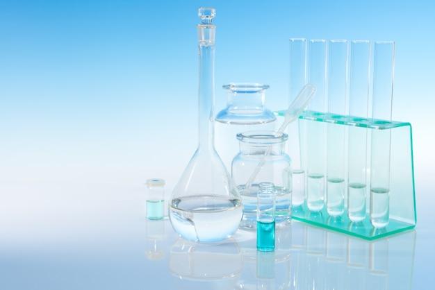 Naukowe szkło laboratoryjne