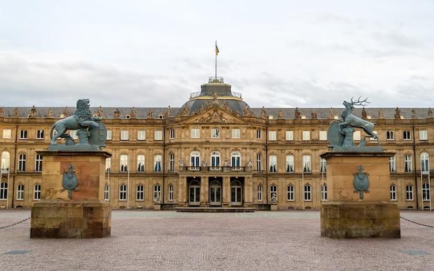 Neues schloss (nowy zamek) w stuttgarcie, niemcy