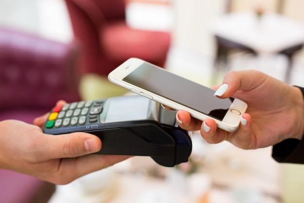 Nfc - komunikacja bliskiego zasięgu, płatność mobilna