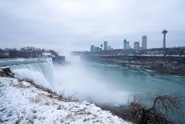 Niagara falls, widok z niagara state park na american falls.