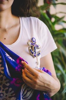 Niebieska biżuteria w kształcie kotwicy