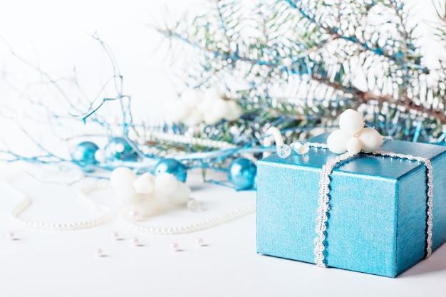 Niebieska dekoracja świąteczna