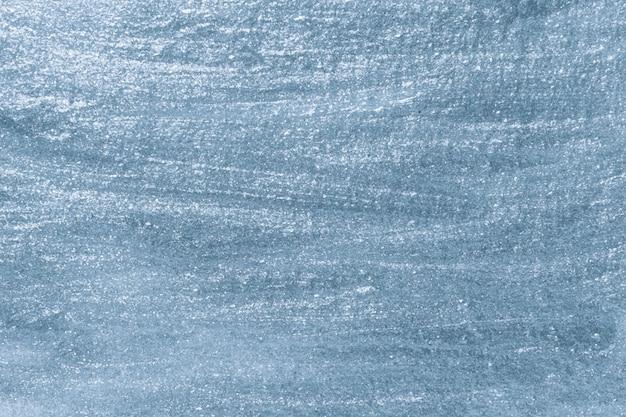 Niebieska farba na płótnie