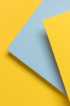 Niebieska i żółta szafka