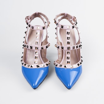 Niebieskie buty na wysokim obcasie żeńskie białe