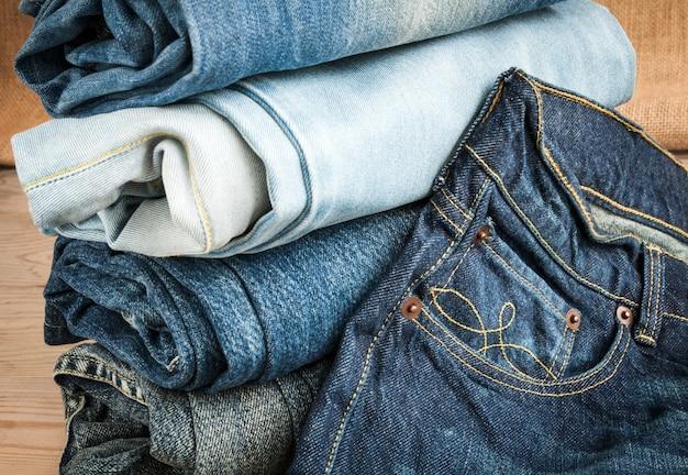Niebieskie dżinsy