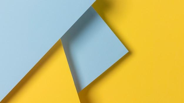 Niebieskie i żółte szafki