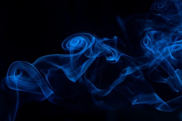Niebieskie tło dymu