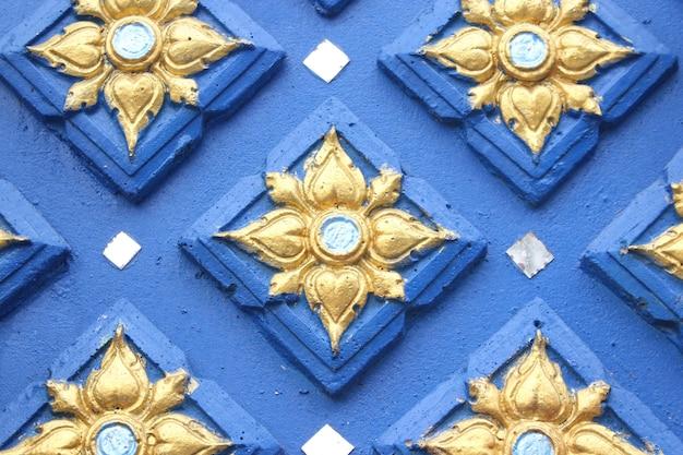 Niebieskie tło wzór tajski