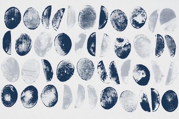 Niebieskie wydruki w kształcie koła w tle