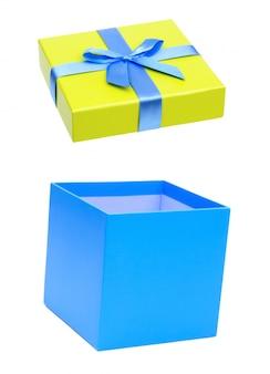 Niebiesko-żółte pudełko z niebieską wstążką