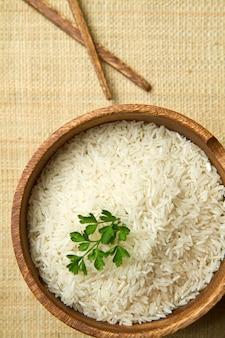 Niedogotowany ryż