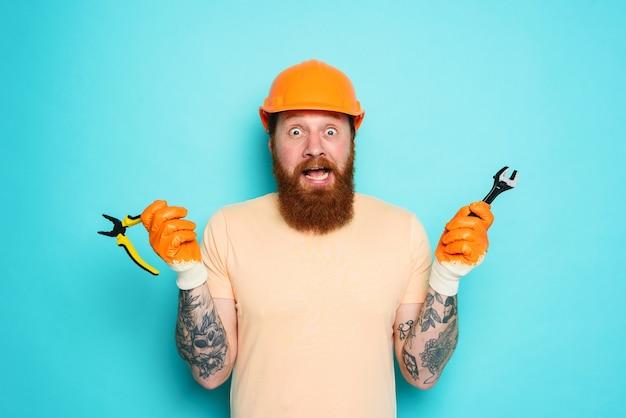 Niekompetentny pracownik nie ma pewności co do swojej pracy w kolorze cyjanowym
