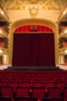 Nieostre tło wnętrza teatru