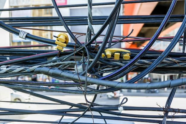 Nieporządny kabel elektryczny