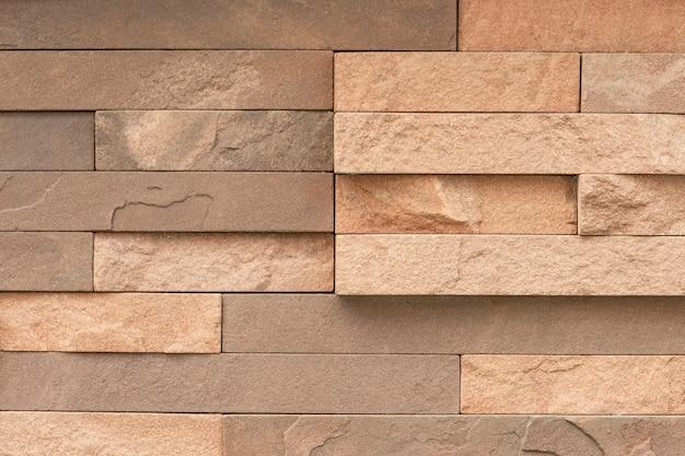 Nierówna płytka z piaskowca na powierzchnię ściany