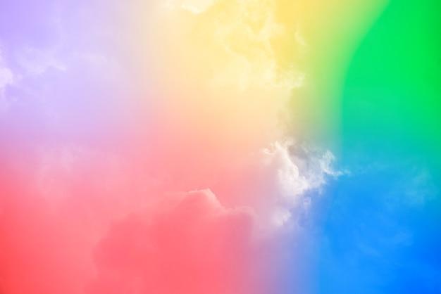 Niesamowite, piękne niebo sztuki z kolorowymi chmurami
