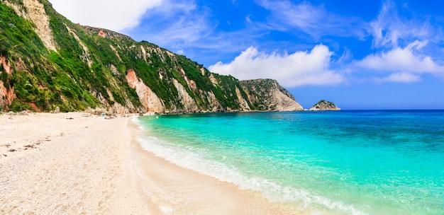 Niesamowite plaże grecji - przepiękne petani na wyspie cefalonia