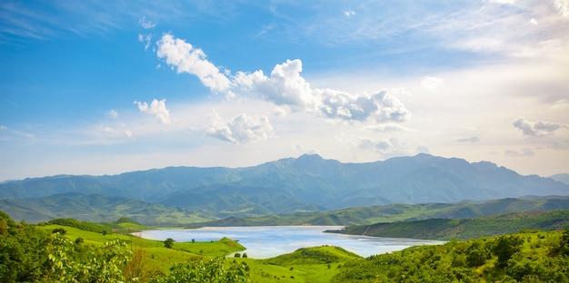 Niesamowity krajobraz armenii