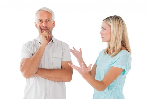Nieszczęśliwa para ma argument z mężczyzna no słucha