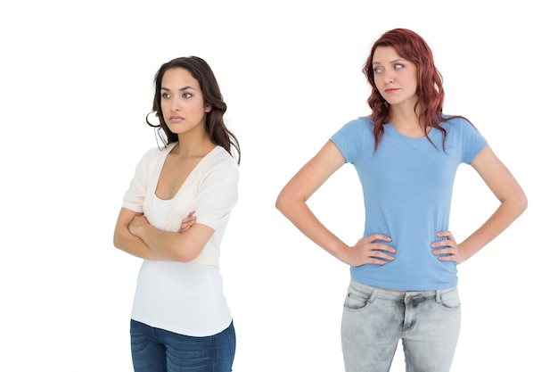 Nieszczęśliwi młodzi żeńscy przyjaciele no opowiada po argumenta