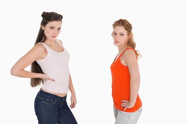 Nieszczęśliwi żeńscy przyjaciele no opowiada po argumenta