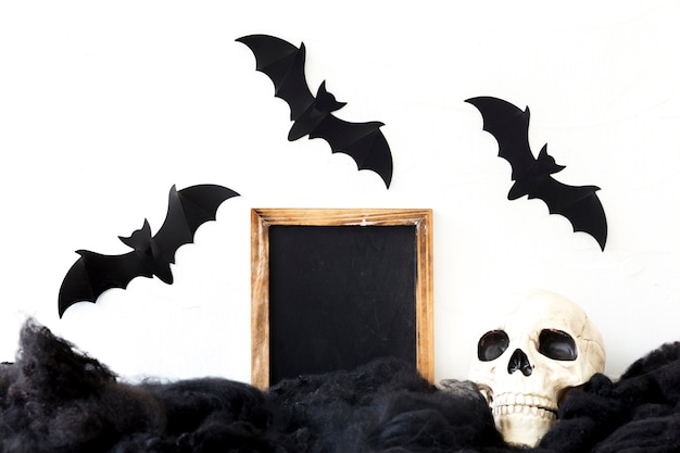 Nietoperze na czaszki i tablica