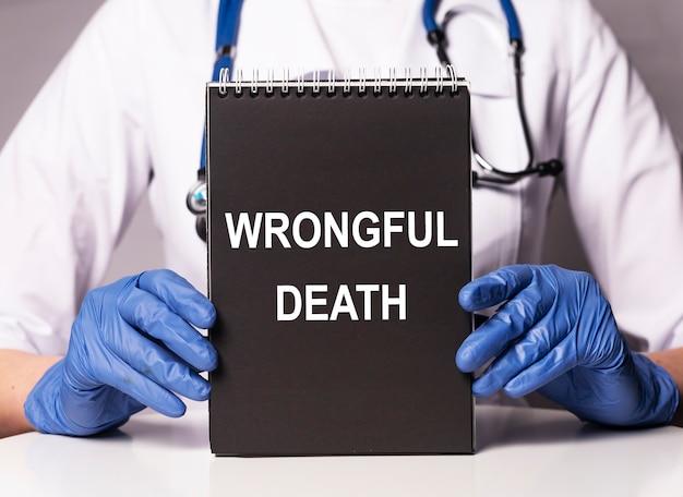 Niewłaściwy napis śmierci