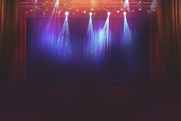 Niewyraźna pusta scena teatralna z zabawnymi kolorowymi reflektorami, abstrakcyjny obraz oświetlenia koncertowego