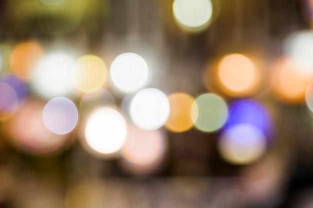 Niewyraźne światła miasta