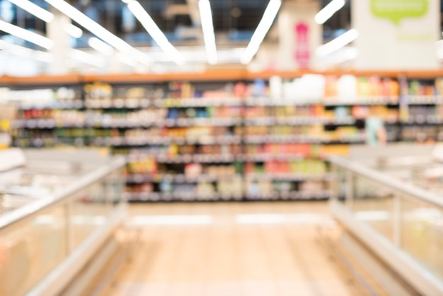 Niewyraźne tło sklepu spożywczego