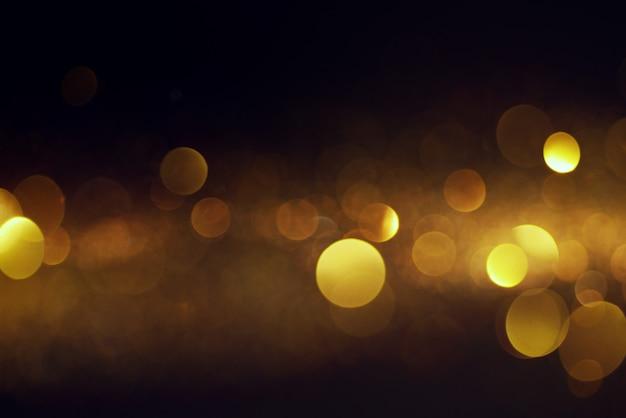 Niewyraźne żółte światła