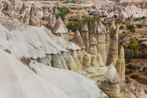 Niezwykła formacja skalna w kapadocji, turcja