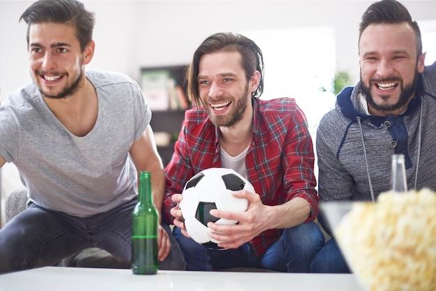Niezwykle ekscytujący mecz tylko z przyjaciółmi