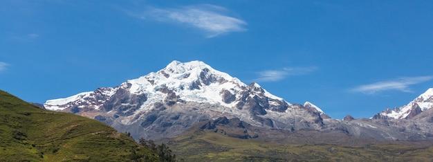 Niezwykłe krajobrazy górskie w boliwii altiplano w ameryce południowej