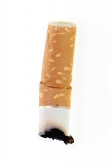 Nikotyny niedopałek papierosa