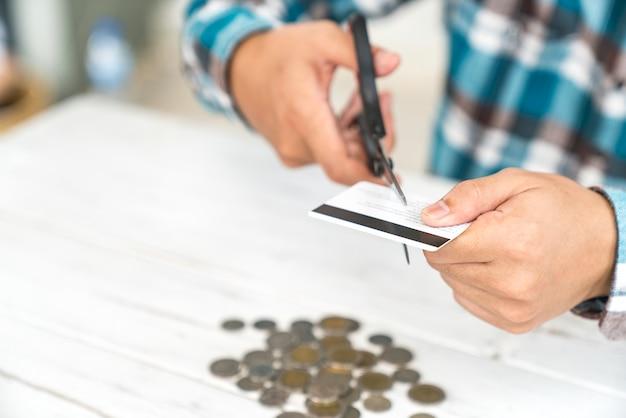 Niszczyć kartę kredytową