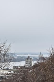 Niżny nowogród w ponury zimowy dzień