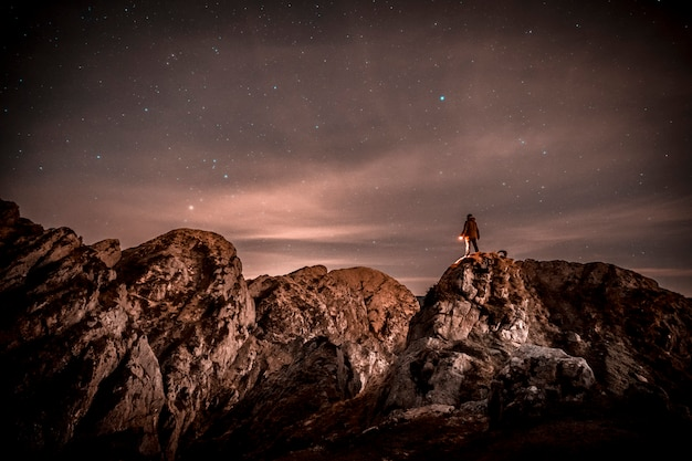 Noc na górze aiako harria w oiartzun. kraj basków