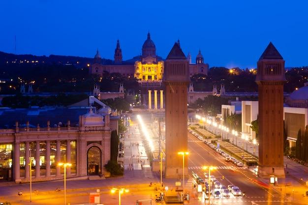 Nocny widok na plac hiszpanii