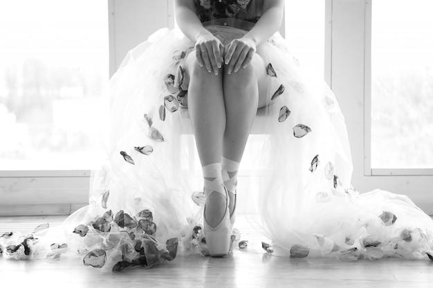 Nogi baleriny. stopy tańczącej baletnicy